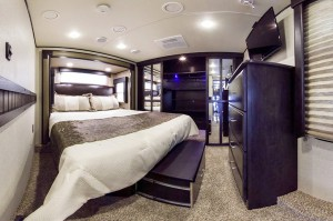 momentum toy hauler bedroom