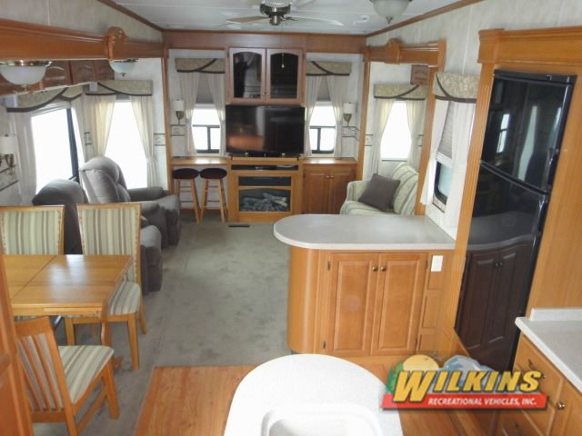 2008 Glendale Titanium 34E39RE Fifth Wheel