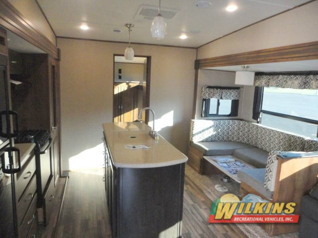 Coachmen Chaparral Lite Fifth Wheel Interior
