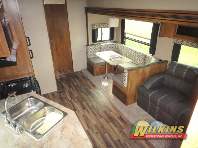 Coachmen Chaparral X Lite Fifth Wheel Interior