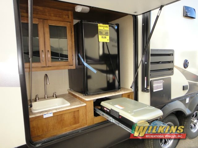 Coachmen Chaparral X Lite Fifth Wheel Outdoor Kitchen