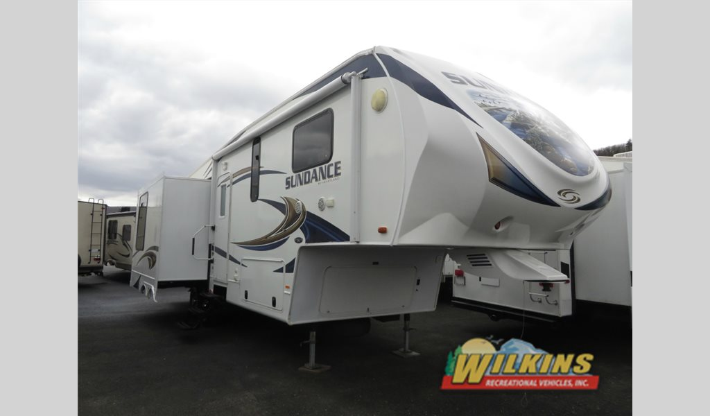 Used 2012 Heartland Sundance Fifth Wheel
