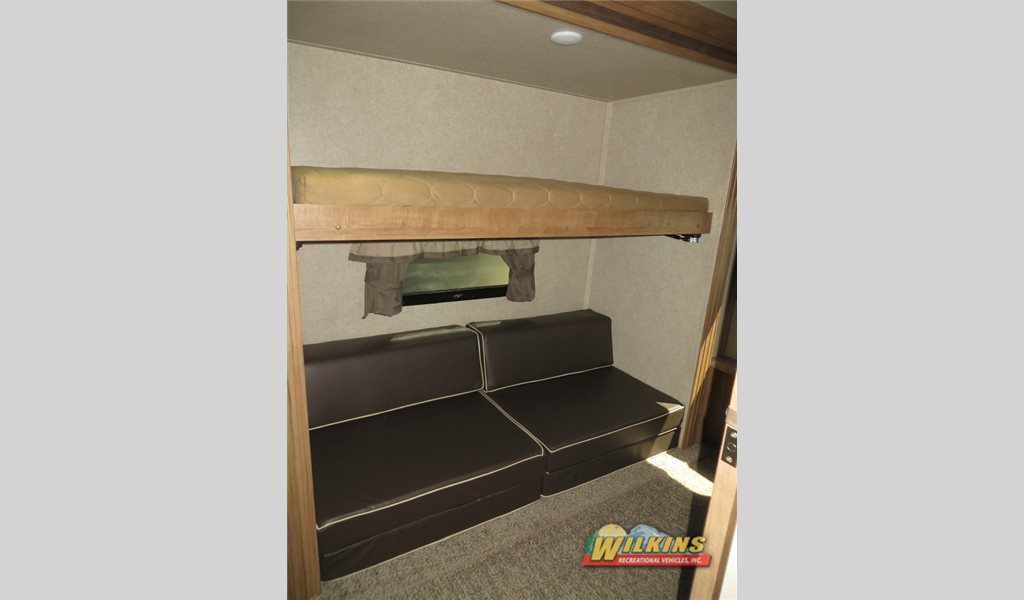 Forest River Flagstaff Classic Super Lite 8528BHWS Bunkhouse Fifth Wheel