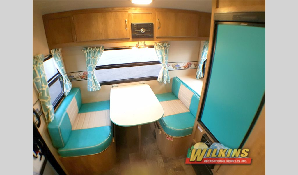 Gulf Stream Vintage Cruiser Travel Trailer Dinette