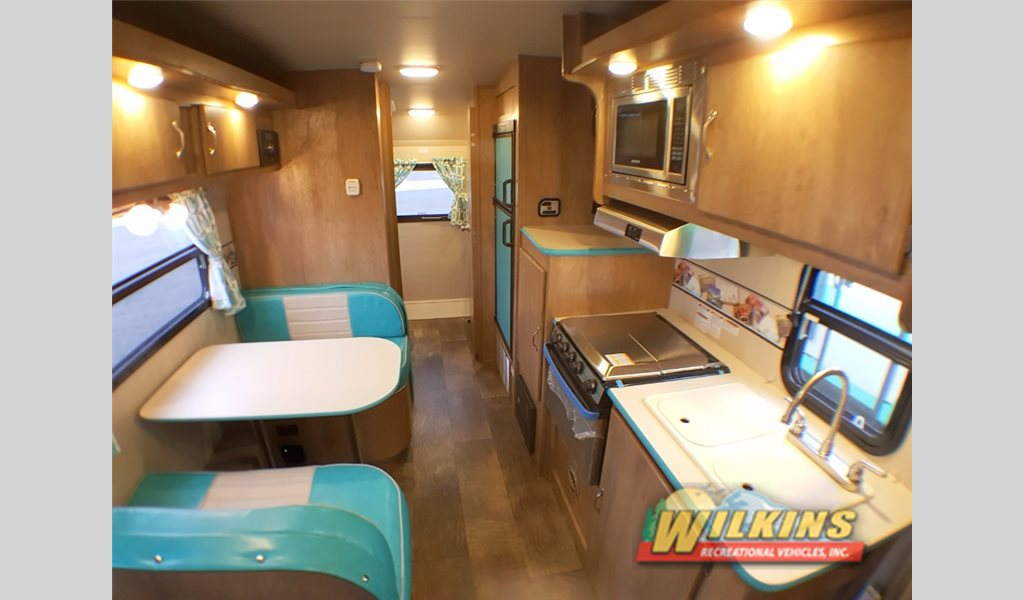 Gulf Stream Vintage Cruiser Travel Trailer Interior 2