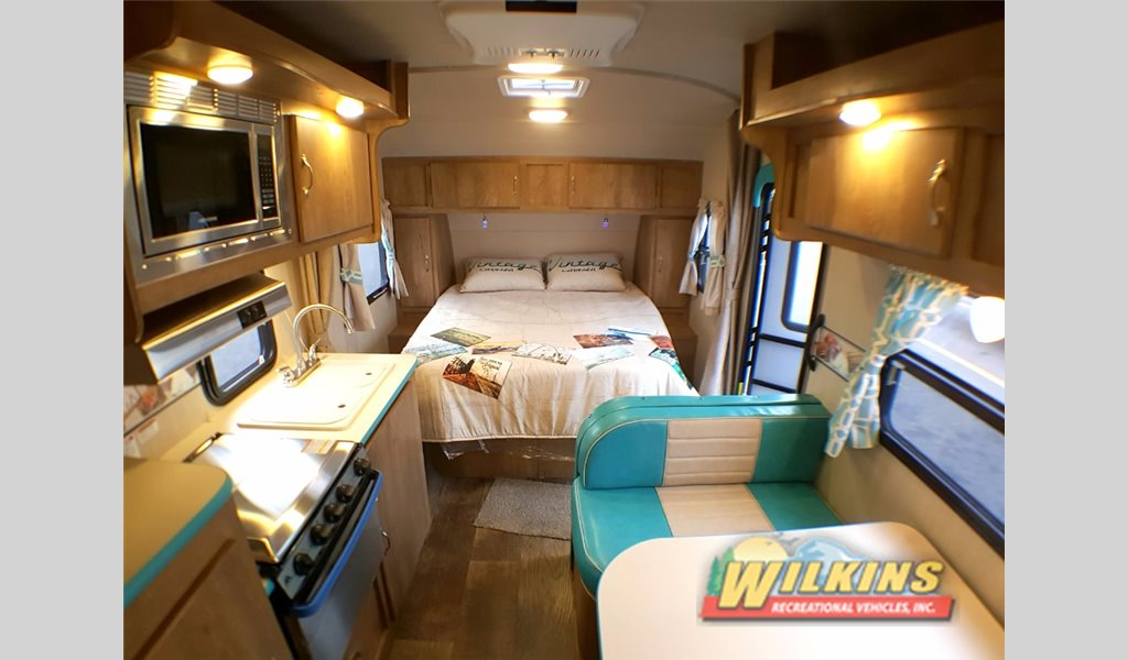 Gulf Stream Vintage Cruiser Travel Trailer Interior