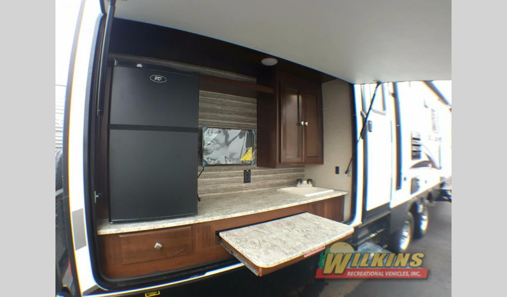 Heartland North Trail Bunkhouse Travel Trailer Outdoor Kitchen