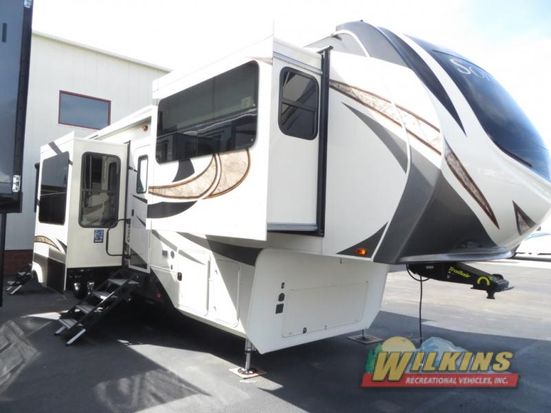 Grand Design Fifth Wheel Solitude