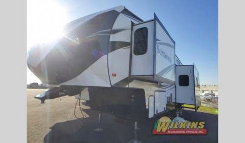 Sundance and Sundance XLT Fifth Wheel
