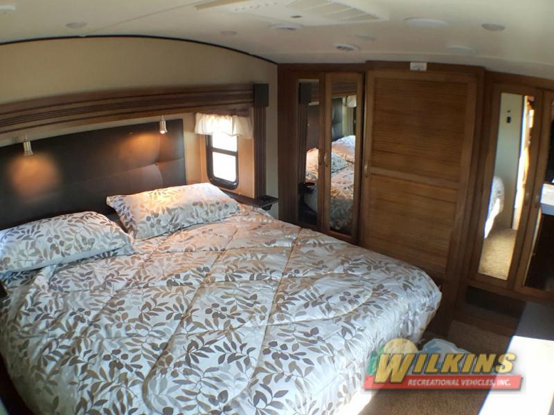 Coachmen Chaparral Fifth Wheel Bedroom