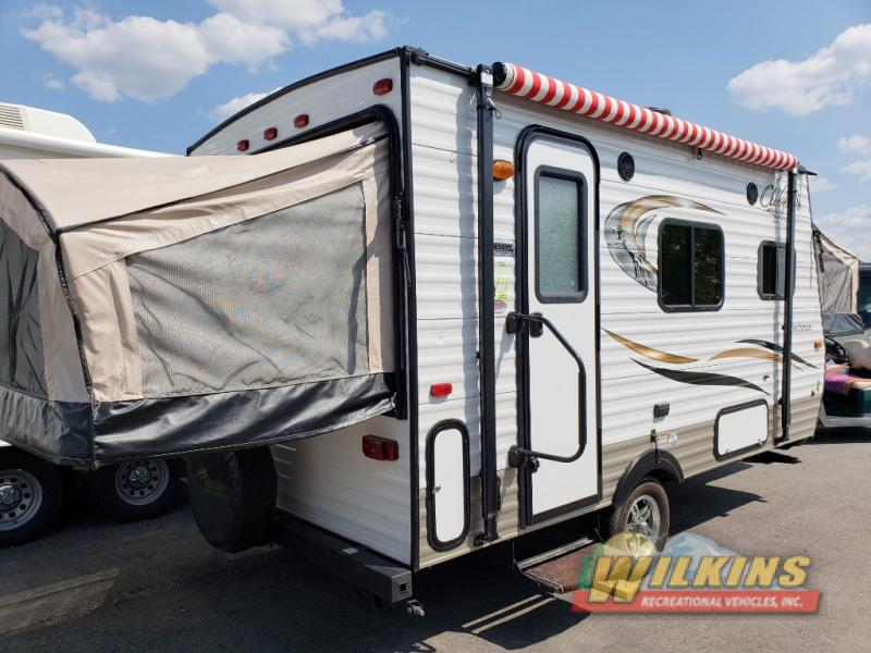 Coachmen Clipper Expandable Camper pre owned rvs